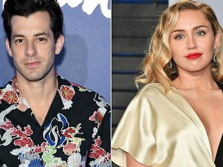 Mark Ronson - Nothing Breaks Like a Heart Feat. Miley Cyrus